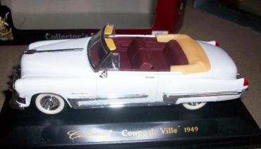 1949 Cadillac är en av flera välgjorda bilar i skala 1/43
