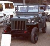 1951 års Toyota BJ med klara drag från den berömda Willys Jeep. Toyota BJ tillverkades initialt för den amerikanska ockupationsmakten i Japan åren efter andra världskriget.