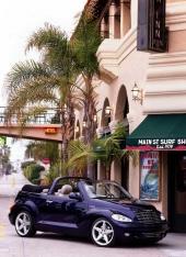 PT Cruiser Convertible är helt klar för att kunna gå i produktion. Om den gör det kommer den sannolikt mer att bli en typisk boulevardglidare än strandraggarbil!