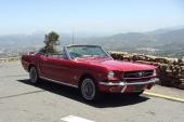 En tidig 1965 Ford Mustang Convertible. En allt dyrare dröm för många.