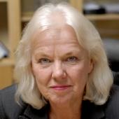 """Generaldirektör Karin Starrin, hur är det? Omger Du Dig med en samling """"småpåvar"""" som är för ivriga att springa omkring i knektstövlar? Sveriges bilentusiaster vill ha distinkta besked som är humana!"""