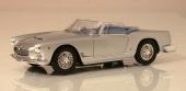 Originalet klarade 0—100 km/tim på 7,5 sek. Med Maserati 3500 GT i skala 1/18 går det långsammare