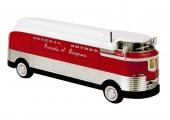 Wow! 1953 GM Futurliner på väg från NOREV i Frankrike!