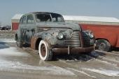 Denna 1940 Buick Special är till salu för $2.950 vilket är ungefär 25.000 kr. Tullad i Göteborg kostar den ungefär 60.000 kr. Ungefär lika mycket kostar en korrekt ny inredning. Totalrenoverad torde den gå på cirka 300.000 kr utöver inköpspriset på 60.000 kr. Special var märkets minsta och billigaste modell och i mycket fint skick värd mindre än hälften! Samma bilfirma i USA.