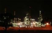 Oljeraffinaderi, ägt av Chevron i USA.