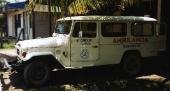 Lika synonym för begreppet Land Cruiser är denna FJ45 som ambulansfordon. Det är med hjälp av dessa stryktåliga fordons bedrifter som dagens Land Cruiser finner sina köpare.
