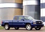 Väntar man till första kvartalet 2003 går det att köpa prestandamodellen Silverado SS med 6-liters V8 på 345 hk.