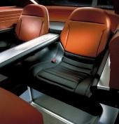 Även baksätet är utformat som separata bucket seats och gör Forty-Nine rent 4-sitsig.