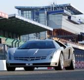 Cadillac Cien på LeMans 2002. Vågar vi hoppas att detta betyder framtida serietillverkning?