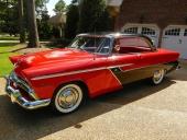 En av de vackraste bevarade exemplaren är denna ljuvliga 1955 Plymouth Belvedere Hardtop Coupe, dessutom enligt samlarna i det mest attraktiva färgkombinationen.
