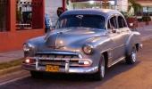 1952 Chevrolet med utbytt vindruta, men en riktigt snygg bruksbil.