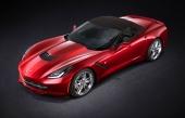 Även med suffletten uppfälld ger Corvette Stingray Convertible stor harmoni i linjerna.