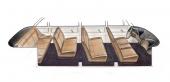 Fjärde sätesraden når man genom att den tredje görs något smalare för bekväm passage.