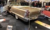Vem kan se sig mätt på de underbara formerna på en 1958 Oldsmobile Convertible? Och i vilken fantastisk färg!