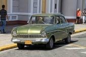 En extremt välbevarad och snygg 1957 Ford Taunus 17 M. Förutom lackeringen verkar den vara helt original. Fantastiskt.