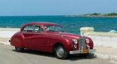 Denna magnifika Jaguar från mitten av 50-talet, torde definitivt vara en entusiastbil. En mäktig vagn och i ett underbart originalutförande!