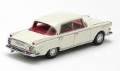 Precis som dåtida Mercedes-Benz fick Borgward P100 små, diskreta stjärtfenor!
