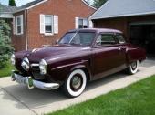 1950 Studebaker Champion DeLuxe 2dr Sedan. Visst väckte man uppseende med den djärva designen av fronten!