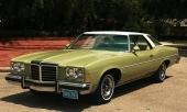 Pontiac hör också till de lite mer ovanliga bilarna. Här en 1974 Pontiac Catalina.