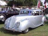 Panhard Dynamic i 1939 års tappning! En verkligt tung pjäs, både till utseende och vikt!