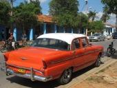 Ännu en Plymouth i riktigt prydligt skick. Modellnamnet är Plaza och årsmodellen 1955.