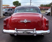 Med det nya bakpartiet närmade man sig designen till den kommande, nyskapade 1954 års modell. Välbalanserat och förtroendeingivande formspråk.