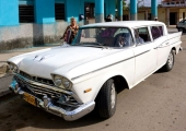 En ljuvligt fin 1959 Rambler Super Six. Nästan helt original. Bara sidomarkeringslamporna och hjulen som är fel.