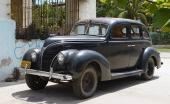 1938 Ford som inte gett upp, utan gör daglig tjänst som bruksbil.