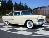 Detta är en 1955 Two-Ten Delray som var aningen lite dyrare och ansågs mer sportig än Two-Ten 2dr Sedan.
