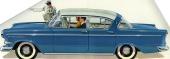 Smäckra linjer, ja en svepande formgivning som en lycklig sommarvind! Skönhet var honnörsordet detta år. 1960 års modell däremot var strikt i linjerna och visades gärna tillsammans med kostymklädda affärsmän.