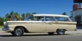 En riktigt fin 1959 Ford Country Sedan i till synes ett korrekt originalutförande! Stämmer verkligen inte med den bild av cubanska bilar, som man haft förut.