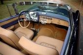 Bekvämt, flärdfullt och ombonat! Inte undra på att Dual-Ghia var populär bland det rika, vackra folket.
