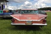Aktern på 1959 Buick Electra är magnifik med sina vackert vinklade stjärtfenor.