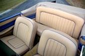 Det skapades ett mer generöst utrymme för baksätespassagerarna. Dual-Ghia klassas som fullt 4-sitsig.