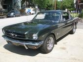 Och här en attraktiv Mustang Fastback!