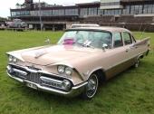 Samma design av fronten givetvis på denna 1959 Dodge Royal 4dr Sedan.