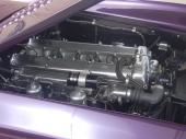 Den raka 6-cylindriga motorn med dubbla överliggande kamaxlar.