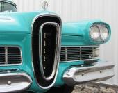 Ingen tvekan. Hos Ford Motor Company trodde man att det räckte med att framhäva en annorlunda grill.