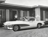 LaSalle II visades också som 4dr hardtop. Drag i formgivningen från Chevrolet Biscayne!