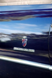 Givetvis måste emblemet från Ghia finnas med!