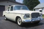 1960 Studebaker Lark VIII 4dr Sedan var lika knubbig som 1959 års modell.
