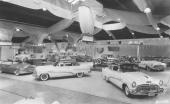 Presentationen av 1953 års Buick på en bilutställning i USA. På bilden ståtar även den exklusiva Skylark. ORIGINALBILD.