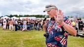 Kjelle Gustavsson in full action på Power Big Meet. Först en stoppande hand för fler möten, men nu har han glädjande nog ändrat sig!