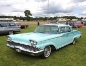 Visst är det lite drag åt 1958 Buick i fronten? Men bilen är en 1959 Mercury Monterey Hardtop Sedan med en helt fantastisk takdesign och djärvt utformade stjärtfenor som i princip börjar redan på framdörrarna!