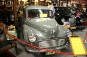 Från sent 40-tal och flera år in på 60-talet var Morris Minor en synnerligen folkkär småbil från England. Detta är en 1961 Morris Minor 1000.