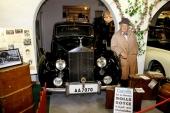 Den sevärda montern med Kar de Mumma och hans 1951 Rolls-Royce Silver Dawn.