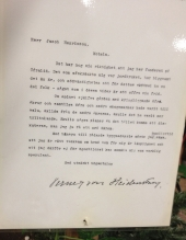 Till miljön finns även ett brev, vederbörligen undertecknat Verner von Heidenstam, som visar på hans intresse för Övralid.