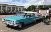 Skall man ut på resa för att sälja bildelar, så måste man väl åka ståndsmässigt. En smakfull 1960 Chevrolet Nomad är inte fy skam! Försedd med original takräcke, spotlight och spinners på navkapslarna.